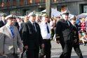 """Siekis: kasmet Jūros šventės parade žygiuojantys """"Jūros veteranai"""" norėtų, kad Klaipėdoje atsirastų gražus jų jaunystės darbus laivyne primenantis paminklas."""