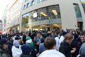 """Pasaulyje pradėta prekyba """"iPhone 5"""", o lietuviai dar lauks savaitę"""