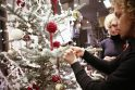 Žinomi vilniečiai kartu papuošė Kalėdų eglutę