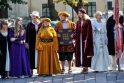 Rotušės 470-asis jubiliejus: patrankos šūviai ir puošnios damos