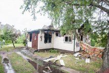 Sudegęs namas Žiedų gatvėje