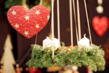 Prasideda Adventas: bažnyčiose šventinami kalėdaičiai