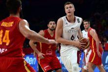 Latvija žengė tolyn, užliejusi Juodkalniją tolimais metimais