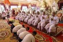 Iš urvo Tailande išgelbėti berniukai bus įšventinti per budistų ceremoniją