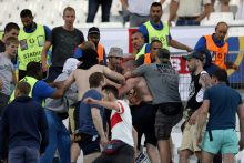 Britų sirgaliai už smurtą Marselyje gavo kalėjimo bausmes