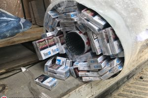 Gudriai slėptos cigaretės nelegaliai keliavo į Didžiąją Britaniją