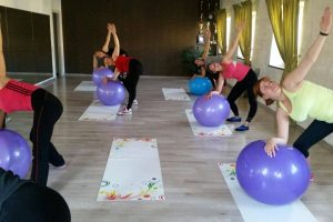 Mamos kviečiamos sportuoti, o jų mažyliai – pramogauti