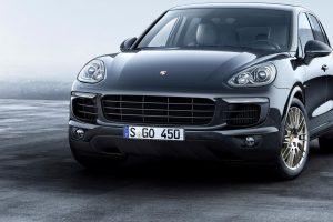 """""""Porsche"""" pristato du naujus """"Platinum Edition"""" serijos visureigius"""