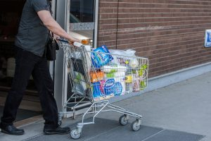 Prekybininkai tvirtina: pirkėjų srautas per boikotą nesumažėjo