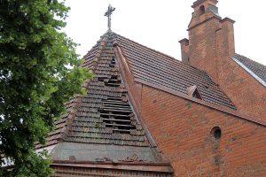 Vėtra nudraskė Vytauto bažnyčios stogą