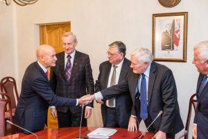 Vytauto Didžiojo ir Edukologijos universitetai pasirašė integracijos sutartį
