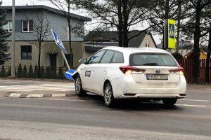 """Garliavoje """"Toyota"""" taranavo kelio ženklą"""