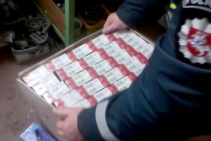 Raudondvariečio garaže – cigaretės, degalai ir alkoholis iš Rusijos