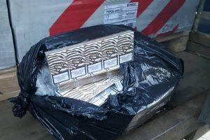 Rusas į Lietuvą atvežė ir akmens vatos, ir kontrabandinių cigarečių