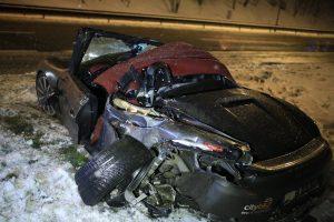 """Girtas vairuotojas suknežino """"CityBee"""" priklausantį """"Porsche"""""""