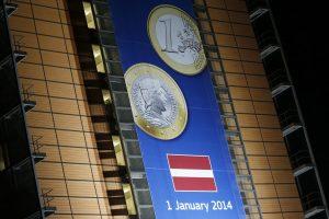 Pusmetis su euru: kaip gyvena Latvija?