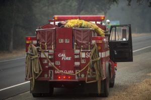 Kalifornijoje dėl miškų gaisrų – nepaprastoji padėtis