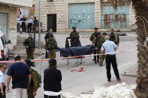 Vakarų Krante subadytas Izraelio karys, du palestiniečiai nukauti