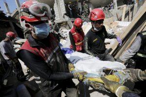 Ekvadore prasiveržė pyktis dėl 1 700 per žemės drebėjimą dingusių žmonių