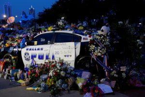 Dėl šaudynių Dalase B. Obama sutrumpins vizitą Europoje