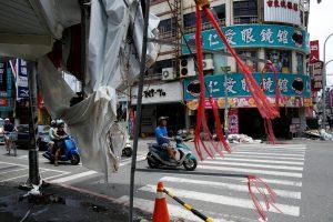 Taivane dėl taifūno evakuota 15 tūkstančių žmonių