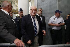 Prancūzijos teismą vėl pasiekė tėvo ir dukters Le Penų byla