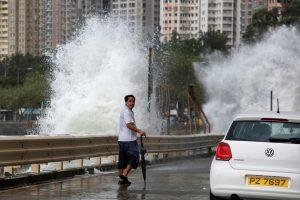 Galingas taifūnas paralyžiavo Honkongą