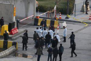 Turkijoje nušautas į policijos nuovadą veržęsis vyras