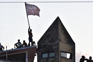 Brazilijoje belaisviai po žudynių užėmė kalėjimo stogą