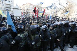 Kijeve sulaikyti keli protestuotojai, įskaitant jų lyderį (yra sužeistųjų)