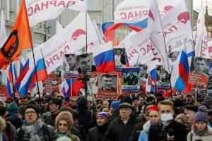 B. Nemcovo atminimo eisenoje ‒ tūkstantinė minia