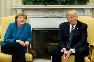 D. Trumpas ir A. Merkel susitiko Baltuosiuose rūmuose