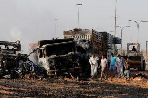 Bagdade mirtininkui susprogdinus sunkvežimį žuvo mažiausiai 14 žmonių