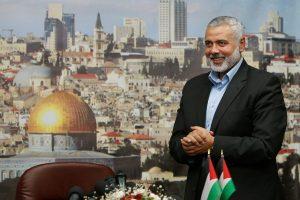 """Švelnėjanti """"Hamas"""" retorika: pokyčiai arba akių dūmimas"""