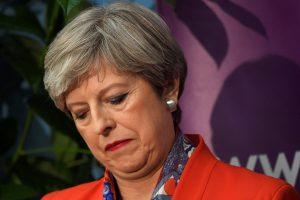 Britanijos konservatoriai neturės daugumos parlamente