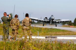 Estijoje JAV karo aviacija surengė pratybas
