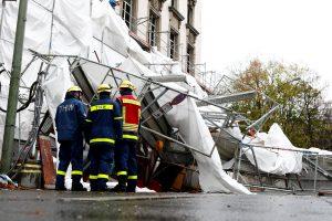Netoli Lietuvos per audras žuvo septyni žmonės