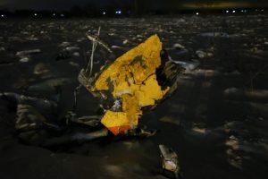 Maskvos regione sudužo keleivinis lėktuvas, 71 žmogui galimybių išgyventi nebuvo
