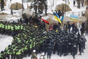 Kijeve per protestą prieš korupciją sužeisti aštuoni policininkai