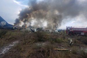 Meksikoje per krušą nukritus lėktuvui nukentėjo 97 žmonės