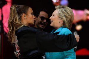 Nemokamu koncertu Floridoje J. Lopez agitavo balsuoti už H. Clinton