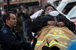 Niujorke per traukinio avariją sužeista daugiau kaip 100 žmonių