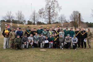 Beisbolininkai rado bendrą kalbą su kariūnais
