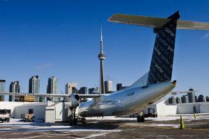 Dviem Kanados lėktuvams teko leistis dėl kabinose pasklidusių dūmų