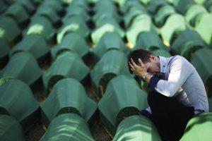 R. Mladičiaus gynybos liudytojas: serbų pajėgos per Sarajevo apsiaustį tik gynėsi