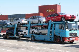 Prekyba naudotais automobiliais sulėtėjo, metas derėtis