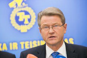 Teismas pradeda bylą dėl Seimo bandymo reabilituoti R. Paksą