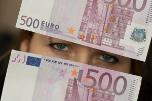 """""""Creditinfo Lietuva"""": gyventojų pradelstos skolos siekia 1,03 mlrd. eurų"""