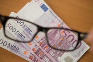 Lietuvos gyventojai labiausiai pasitiki savo banku