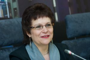 Ministrė: reikia numatyti aukštesnę kartelę patekti į aukštąsias mokyklas